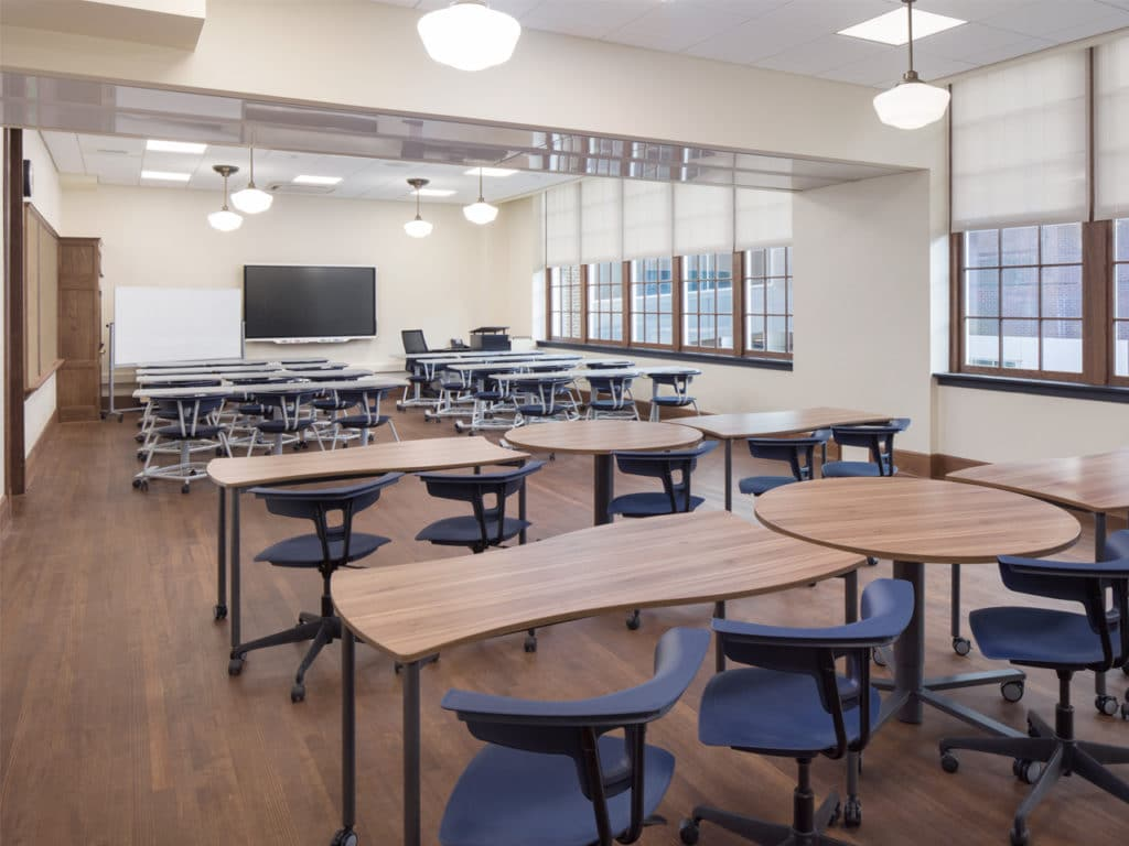 Abbey-Simons Skyfold Classic fully extended in a classroom
